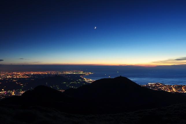 山頂の月夜(2)