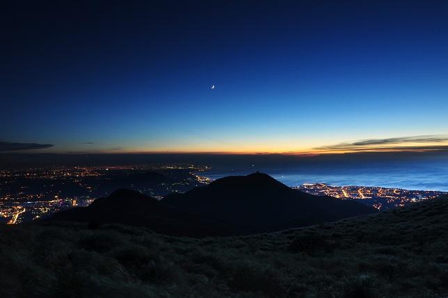 山頂の月夜(1)