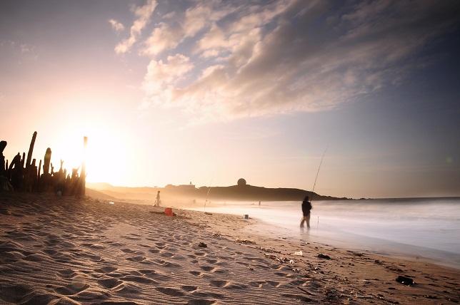 夕暮れ時の海岸(1)
