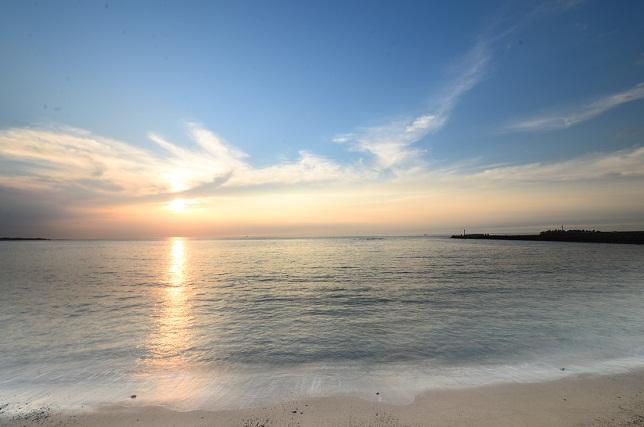 去りゆく夏、暮れる海(2)
