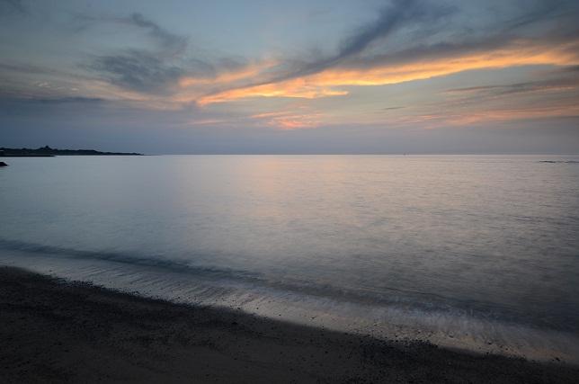 暗闇迫る海岸線(2)