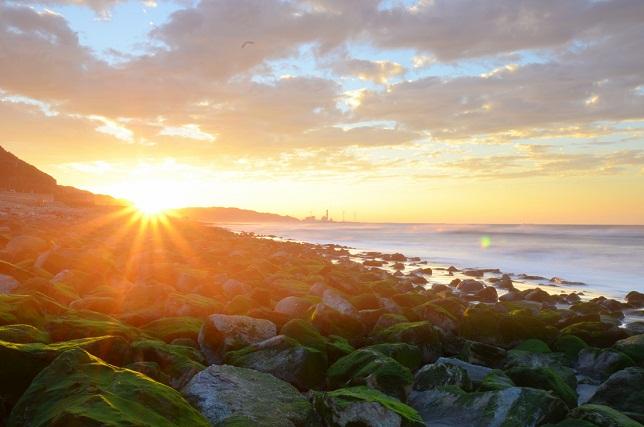 寄せる波、暮れる海(3)