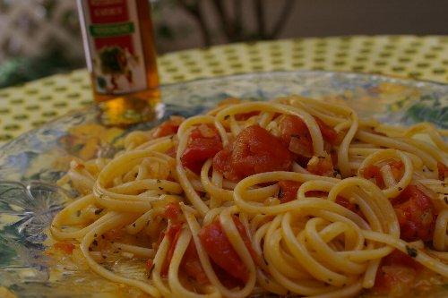 ミニトマトソースのパスタ