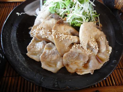 森のうさぎ 生姜焼き定食2