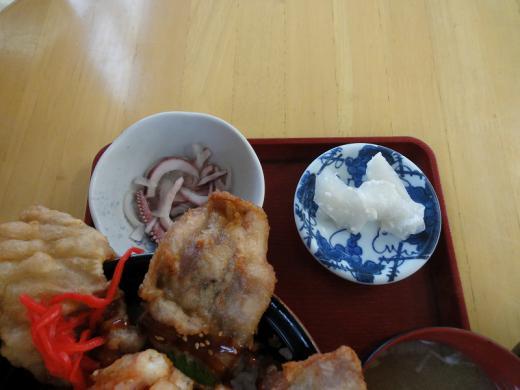 美幌峠 ダブルオホーツク唐揚げ丼2