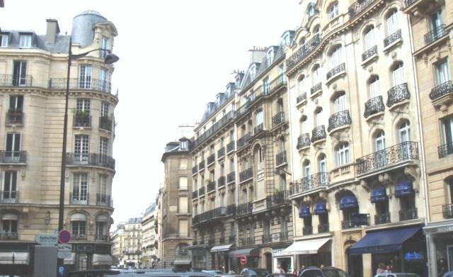 パリの街a