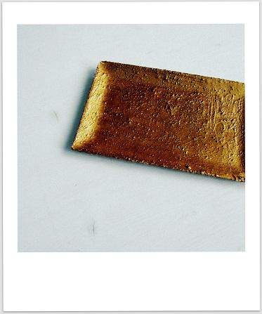 リメーク雑貨 プレート ゴールド セリアの絵の具