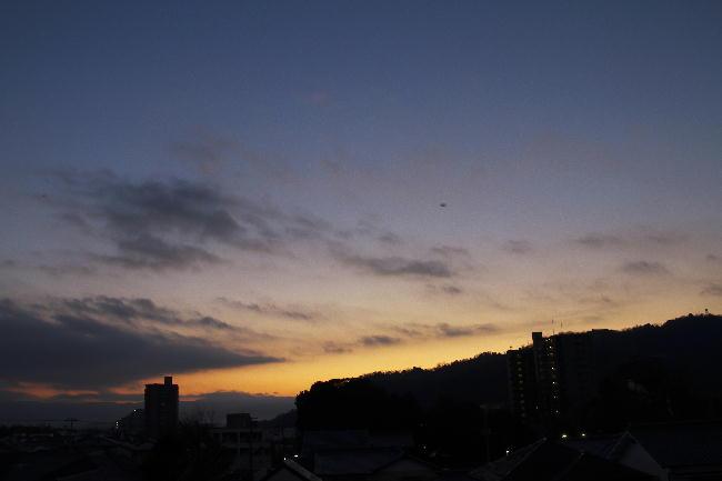 12日の日の出前