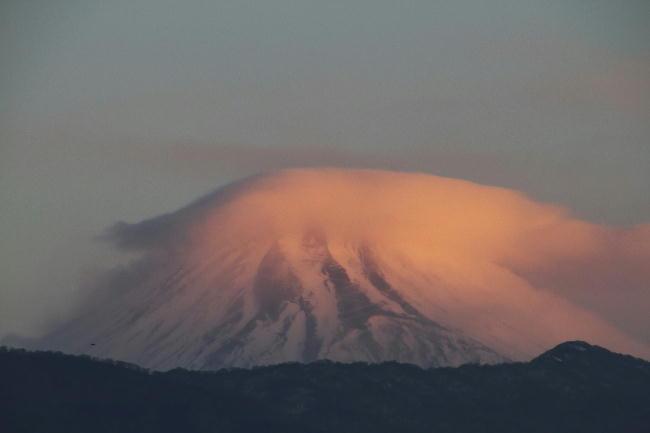 28日 6-52 今朝の富士山
