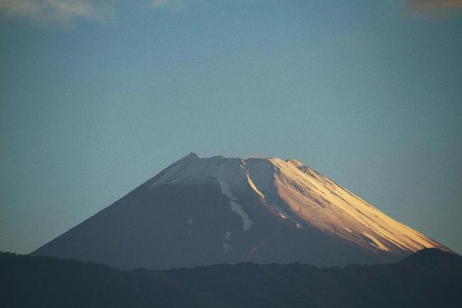 22日 4-48 今朝の富士山1