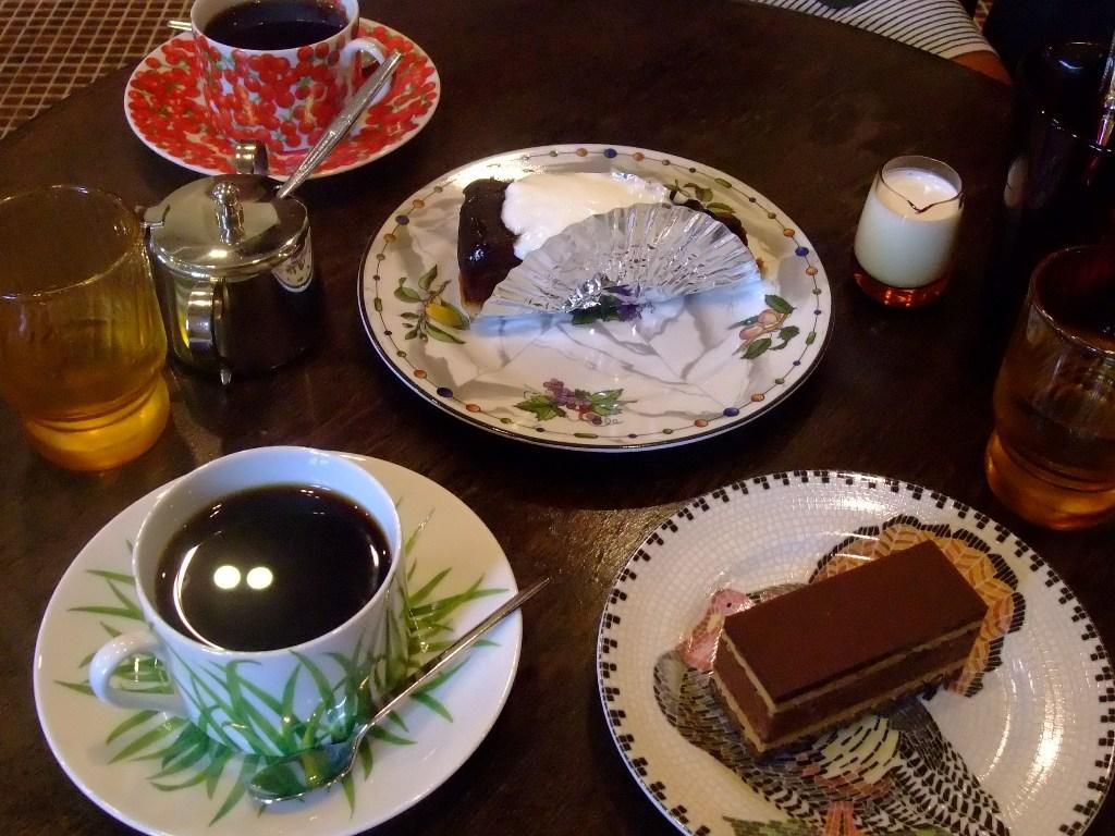 La Voiture ラ・ヴァチュール タルトタタンの美味しい京都岡崎のカフェ