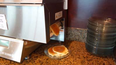 ラウンジパンケーキ焼き上がり