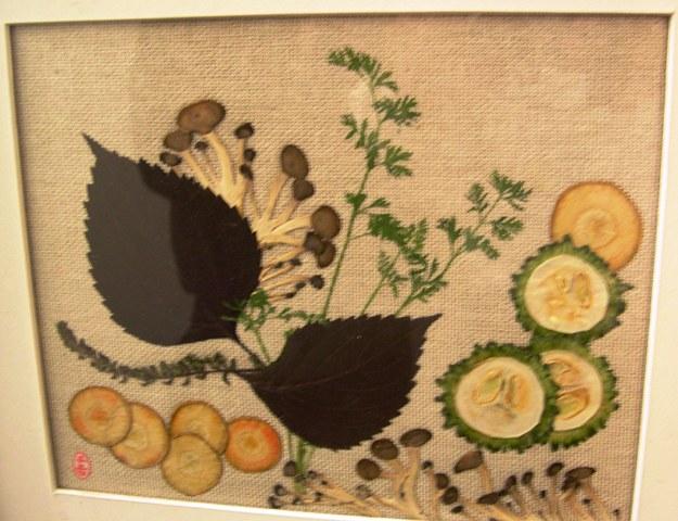 押f花絵ア-ト 4  素材は全て食卓に上る野菜である。