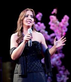 ? 地元のペラ歌手 イオネ カルバ-リョさん スバル、ふるさと、? mio bambino caroを熱唱し 絶賛された