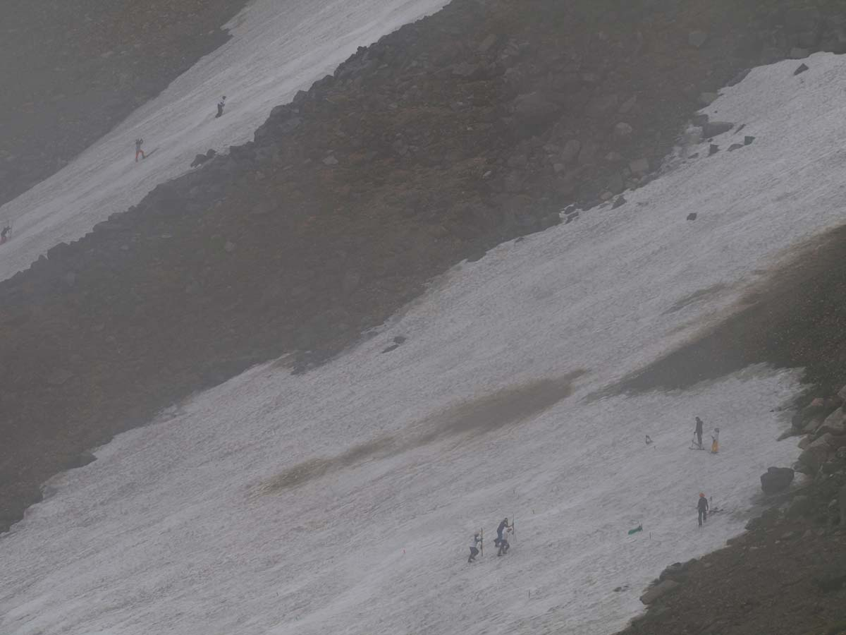 大雪渓のスキー
