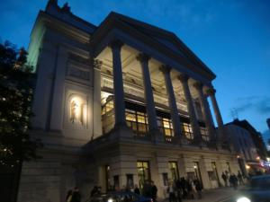 CIMG3230 ロンドンオペラハウス