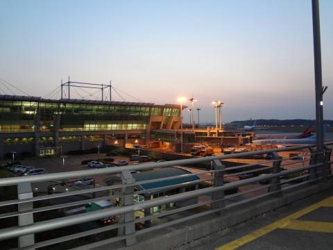 早朝の仁川空港