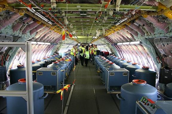 A380タンクと人