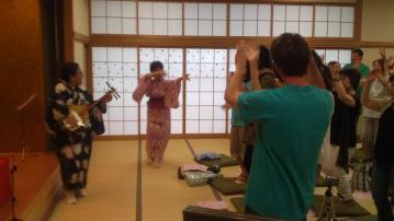 SN3O0012踊り