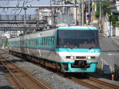 381系くろしお津久野駅1