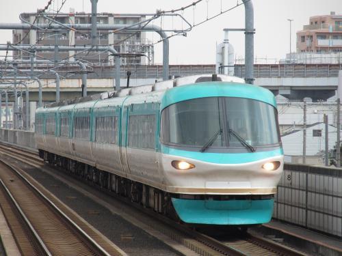 283系オーシャンアロー南田辺駅