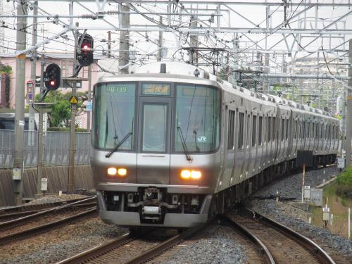 223系上野芝駅
