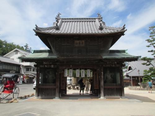 厳島神社弁財天門