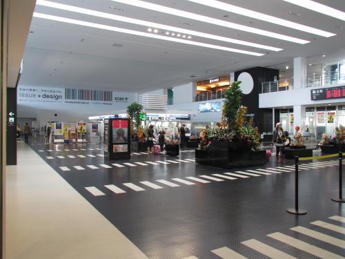 神戸空港内部