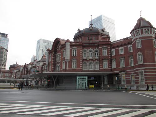東京駅丸の内側面