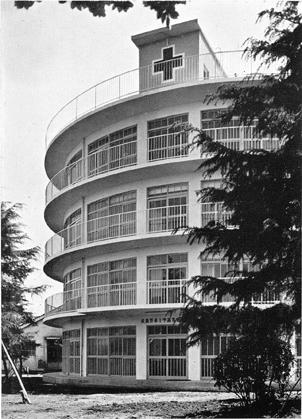 195511 武蔵野赤十字高等看護学院1 武蔵野市(坂本鹿名夫)