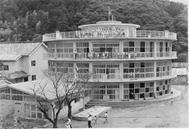 旧明倫小学校円形校舎