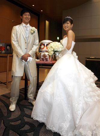 内海哲也と嫁の画像1