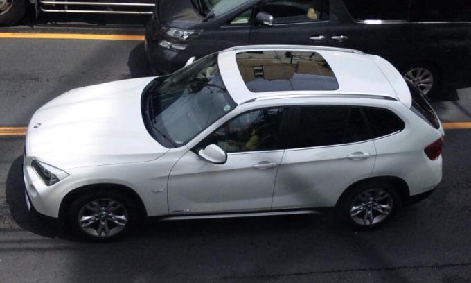BMW  X  1_20120818