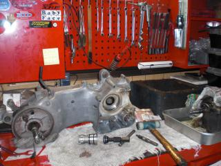 NMエンジン腰下組立 (1)