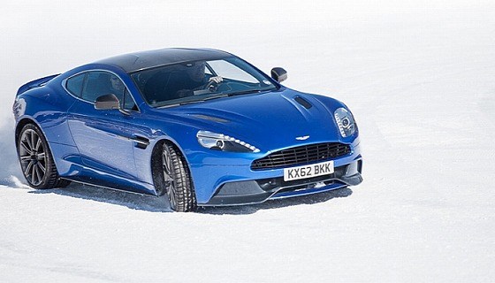 aston-martin-on-ice-2014-snow-drifting-in-switzerland-video-medium_3.jpg