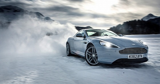 aston-martin-on-ice-2014-snow-drifting-in-switzerland-video-medium_4.jpg