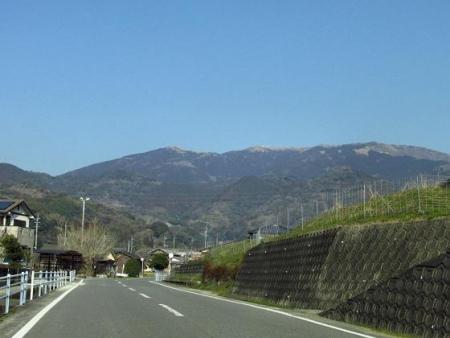春のような天山残雪 002