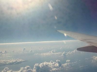 沖縄 綺麗な空の旅