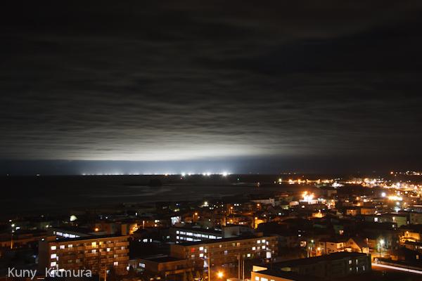 街と海の夜景