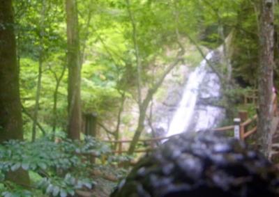 120902おむすび山の向こうに蜻蛉の瀧