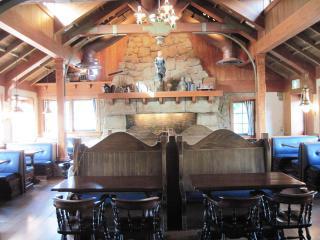 Amity Landing Restaurant (15)