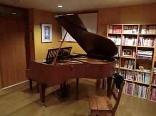 ピアノの部屋1
