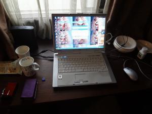 寝室のパソコン(縮小)