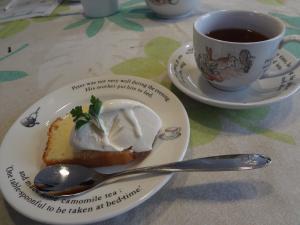 レモンケーキ&紅茶(縮小)