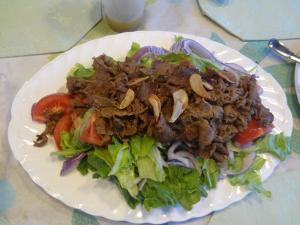 牛肉のカレー風味サラダ(縮小)