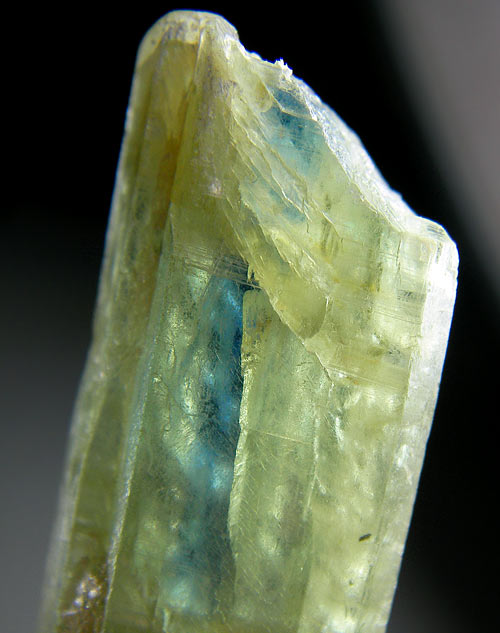 No.262 Kyanite