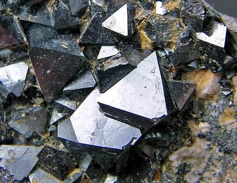 No.443 Magnetite