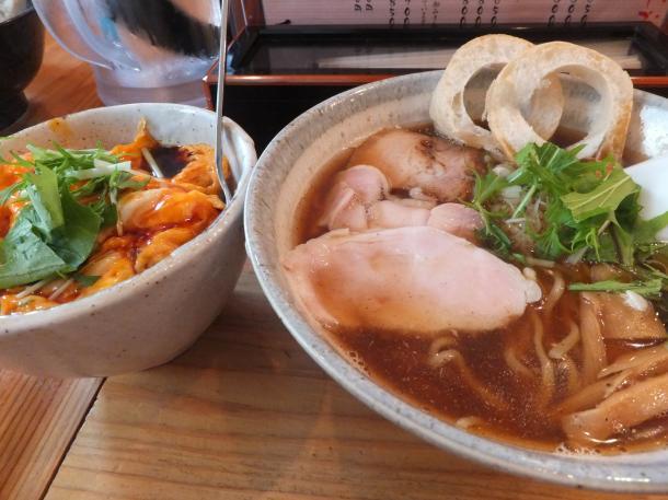 醤油ラーメンとふわ玉チャーシュー丼(小)