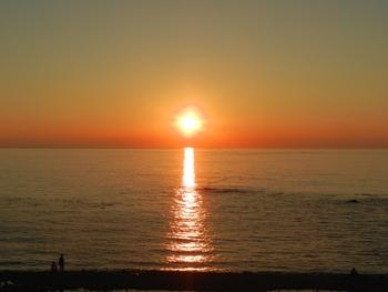 オホーツク海に落ちる夕陽その1