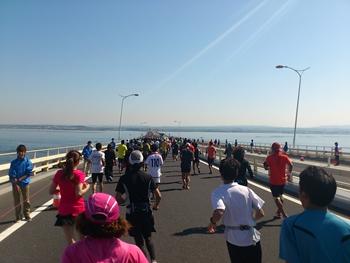 ちばアクアラインマラソン・折り返し木更津方面